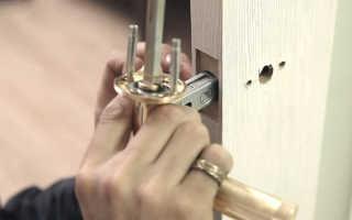 Как разобрать ручку межкомнатной двери с замком
