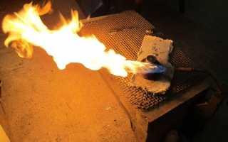 Какова температура пламени ацетиленовой горелки малютка?